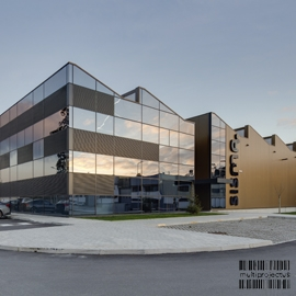 Exterior view of administrative block - Sisma - INDUSTRIAL CONSTRUCTION - Multiprojectus